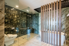 Executive Suite - Bath Room